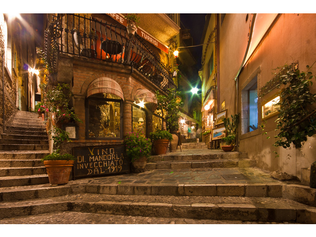 Castelmola-notturno_0.jpg