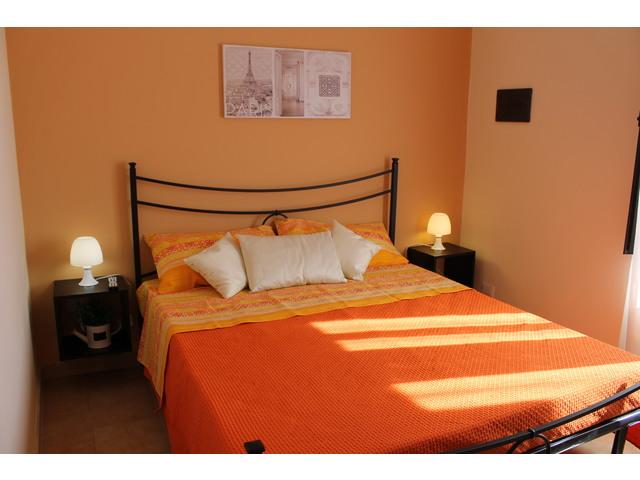 Letto arancio (1).JPG