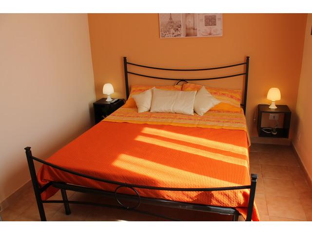 Letto arancio (4).JPG
